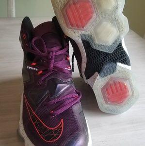 Nike Shoes - Mens Nike Lebron sneakers